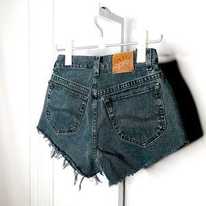 VINTAGE LEE | High Rise Cut Off Denim Shorts XS/S
